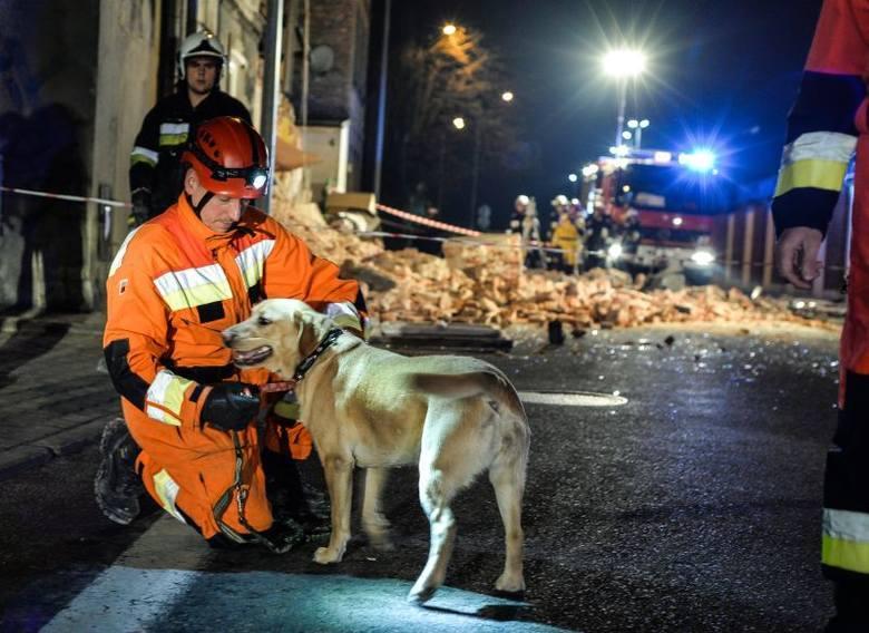 W momencie katastrofy w budynku znajdowało się 10 osób. 5 zostało rannych, w tym 1 zmarła w szpitalu.
