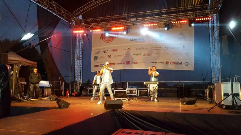 Prawdziwe tłumy bawiły się na Summer Amber Festival w Jarosławcu. Na scenie wystąpili m.in. Boys, Top Girls oraz Fun Factory.Zobacz także: Art Piknik