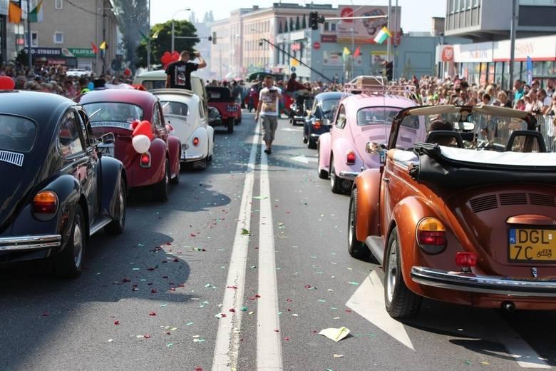 Podczas winobraniowego pochodu każdy znajdzie coś dla siebie. Także fani motoryzacji!