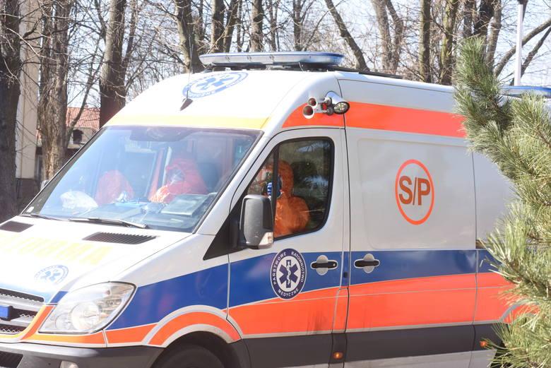 Nowy pojazd do transportu pacjentów bardzo by się przydał (zdjęcia ilustracyjne).