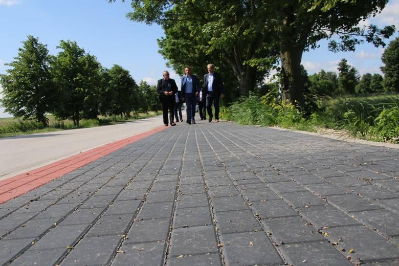 Nowe chodniki w gminie Jędrzejów