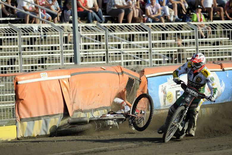 Wypadek podczas meczu Polonia Bydgoszcz - Włókniarz Częstochowa w 2012 roku.