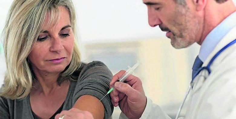 Ministerstwo Zdrowia opublikowało mapę placówek, które będą szczepić pacjentów na koronawirusa. Na terenie Wielkopolski w każdym z powiatów jest kilka