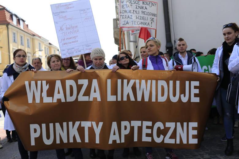 Protest w Warszawie przeciwko ustawie apteka dla aptekarza