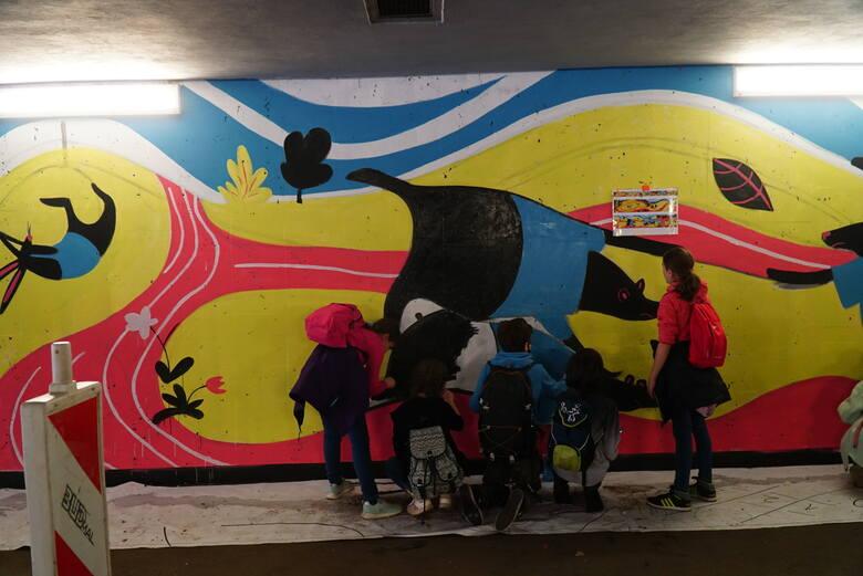 W Poznaniu powstał kolejny mural, tym razem na Golęcinie. W jego tworzenie włączyli się sami mieszkańcy. W weekend, 29-30 maja specjalista od murali