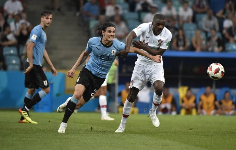 389 goli w 668 meczach.Śmiało można powiedzieć: legenda PSG. Wcześniej strzelec wyborowy w Napoli i Palermo. Gwiazdor reprezentacji Urugwaju.