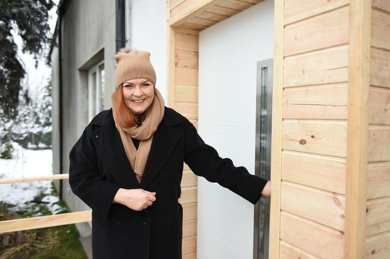 Katarzyna Dowbor i ekipa programu Nasz Nowy Dom w Łodzi wyremontowali dom Pani Ani!