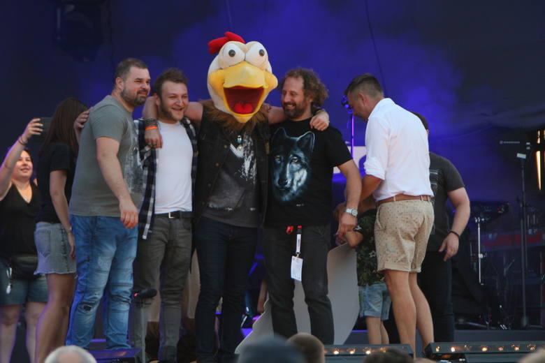 W sobotę 31 sierpnia, w podgorzowskiej gminie Deszczno odbyło się Święto Pieczonego Kurczaka. Tradycyjnie gościło mnóstwo miłośników dobrej zabawy, smacznego