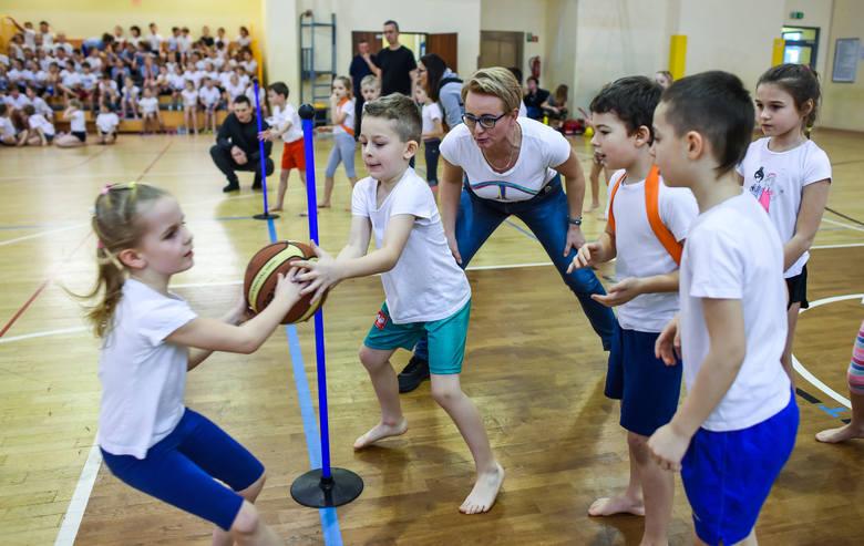 Bydgoski Biały Miś w piątek wystartował po raz 51. To najstarszy turniej dla szkół podstawowych w mieście, a pewnie również w kraju. W tegorocznej edycji