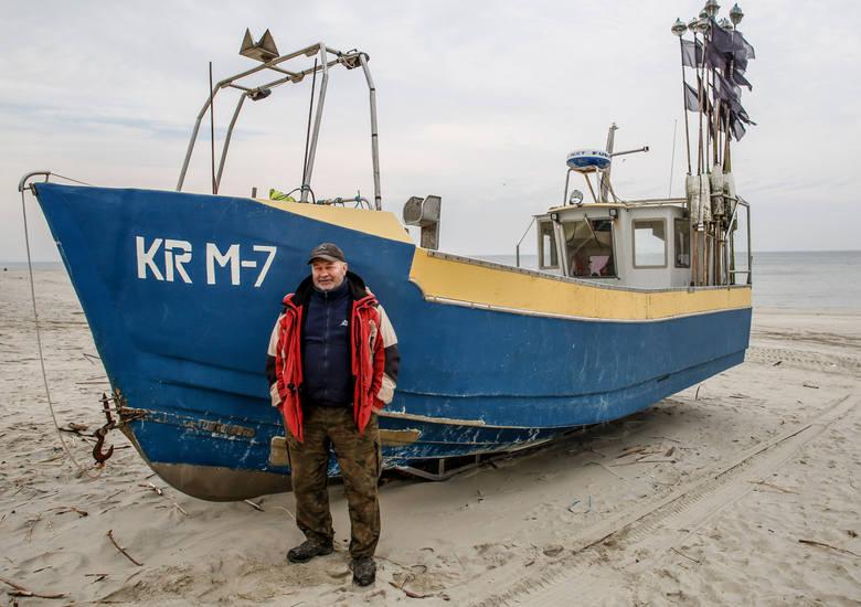 Część rybaków uważa, że budowa kanału przyniesie korzyści Krynicy. U innych inwestycja budzi niepokój. Przekop może zaszkodzić rybakom - mówi Jan Morawski, właściciel łodzi KRM-7 z Krynicy Morskiej. - Wyspy z piasku, które zamierzają usypać na Zalewie Wiślanym, popsują nam łowiska