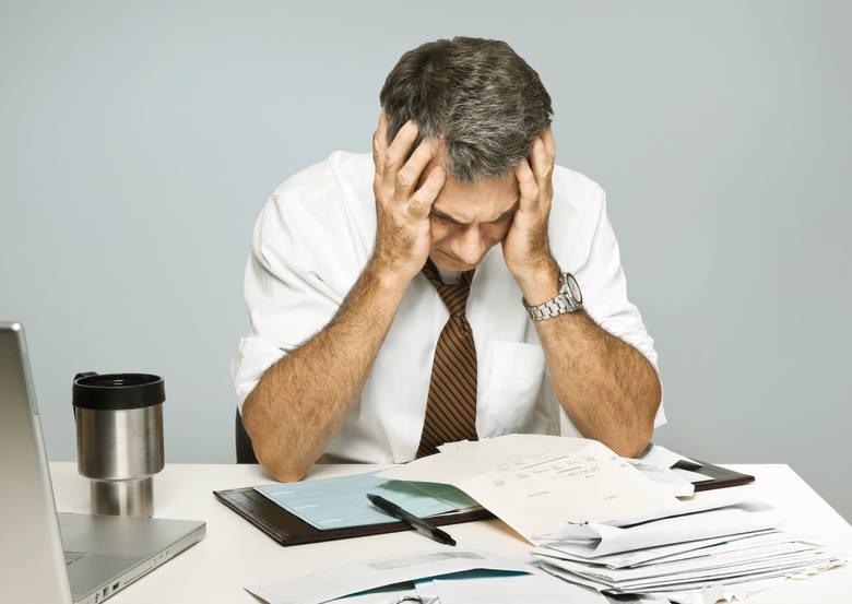 Mamy XXI wiek i przedsiębiorcy wciąż MUSZĄ wypełniać sterty papierów, żeby dostać kredyt?