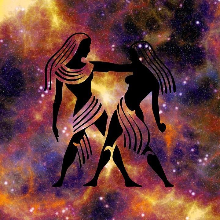 Horoskop dzienny dla osób spod znaku: BliźniętaBliźnięta (21.05-21.06)Uśmiechać się, żartować, pić wina wytrawne, a nocą rozwijać wyobraźnię…