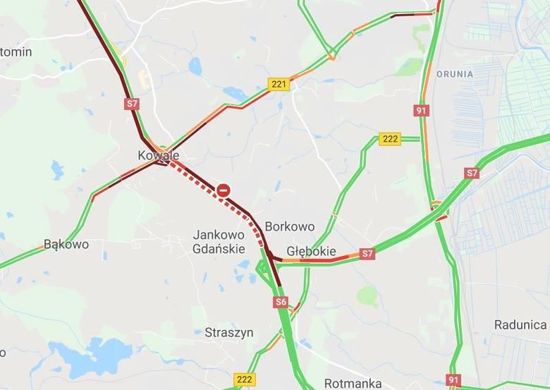 Wypadek na obwodnicy Trójmiasta 29.04.2019. Na zjeździe przy Kowalach przewróciła się ciężarówka.