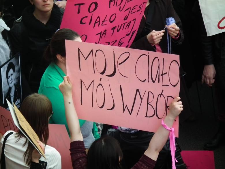 Poznań: Protest przeciw całkowitemu zakazowi aborcji