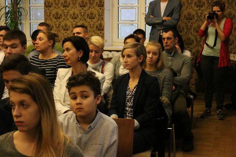Uroczyste wręczenie stypendiów Prezydenta Miasta Opola dla sportowców za wyniki osiągane w poprzednim roku.