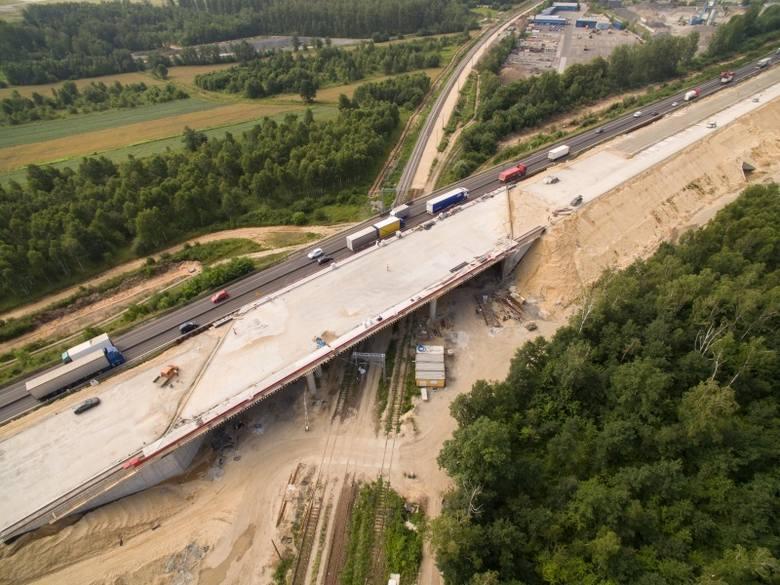 """Generalna Dyrekcja Dróg Krajowych i Autostrad nakazała rozbiórkę prawych jedni na dwóch wiaduktach na węźle """"Częstochowa Jasna Góra"""""""