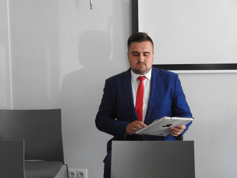 Sebastian Ptaszyński nie chciał wczoraj opuścić konferencji prasowej wiceburmistrz Wasilkowa