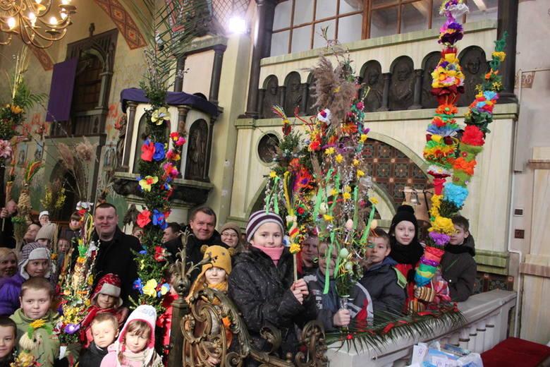 Prawie dziewięciometrowa palma wygrała konkurs w służewskim kościele. Zobacz zdjęcia!