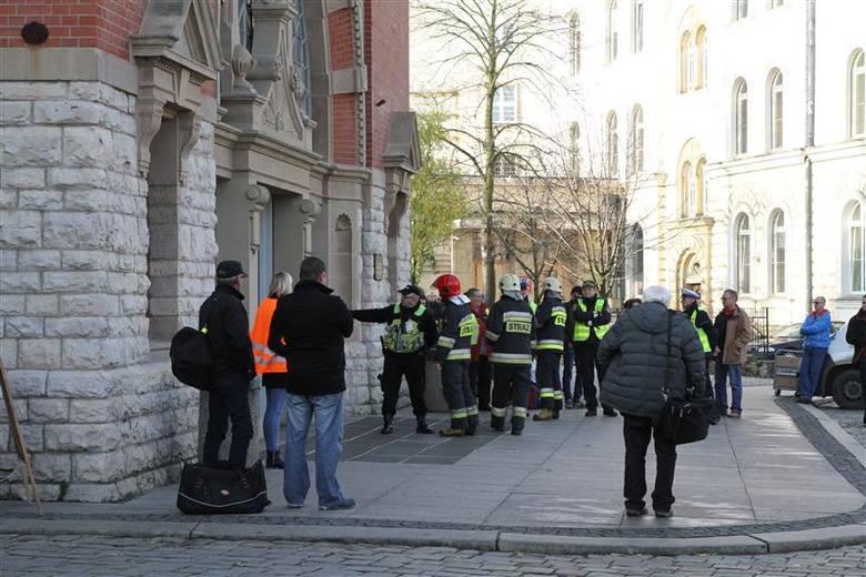 Ćwiczenia rozpoczęły się dziś o godz. 9.30 na Dworcu Głównym w Opolu.