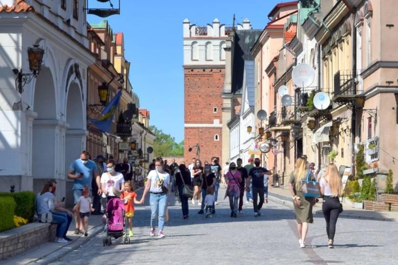 """Większość atrakcji objętych sandomierską akcją promocyjną zwaną """"Voucherem Optymizmu"""" jest już dostępna. Władze miasta zapraszają do korzystania z promocyjnej"""