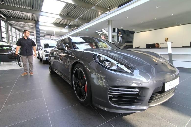 W ewidencji toruńskiego Urzędu Miasta pojawiają się luksusowe marki. Najwięcej jest samochodów marki Porsche (88 sztuk).POLECAMY: Czym jeździ policja