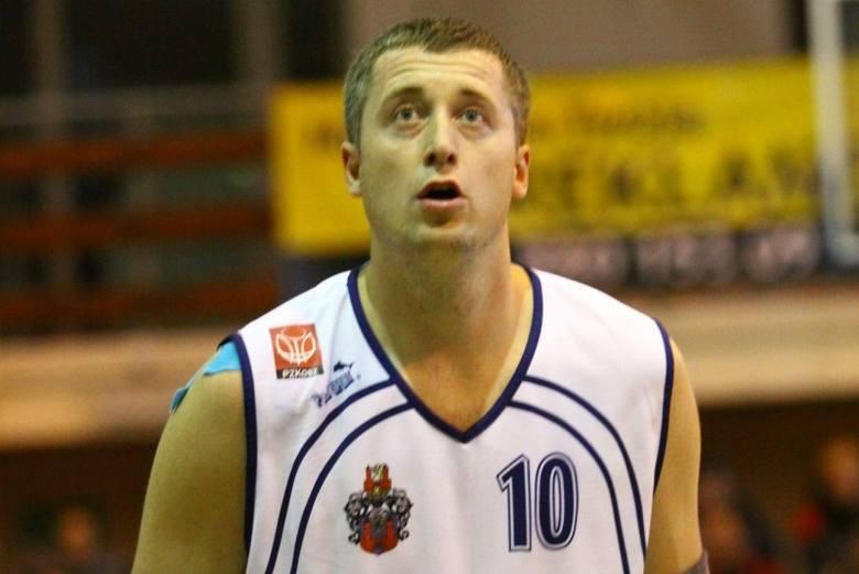 Marcin Łakis od początku sezonu prezentuje równą i wysoką formę i ma duży udział w sukcesach zespołu z Prudnika.