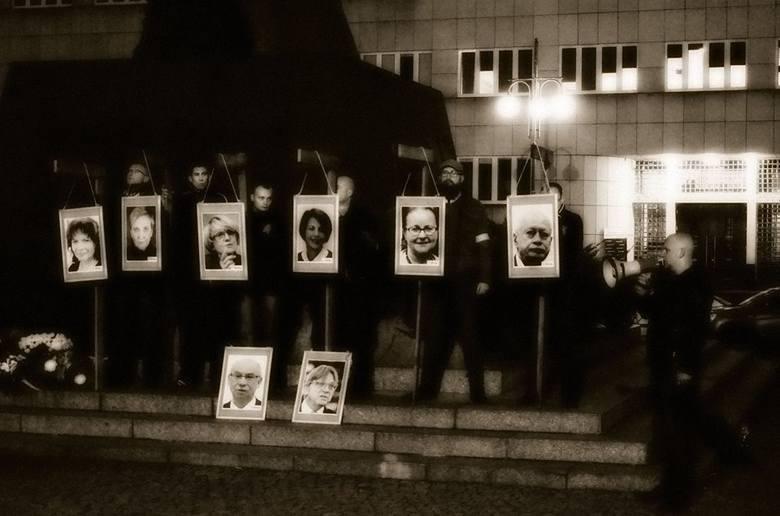 Manifestacja pod hasłem NIE dla współczesnej targowicy w Katowicach