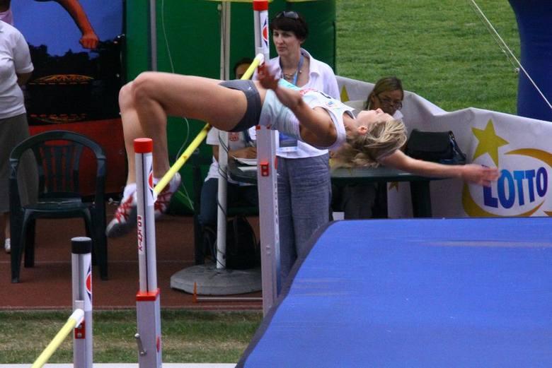 Tym razem rekord naszego stadionu pobito w konkurencji kobiet. 191 cm uzyskala Karolina Blazej z AZS AWF Kraków