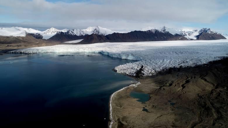 Szarżujący Lodowiec Aavatsmarka (Spitsbergen)