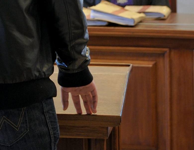 Pobicie przed klubem Prognozy. Sześciu ochroniarzy skazanych za nieudzielenie pomocy umierającemu Krzysztofowi