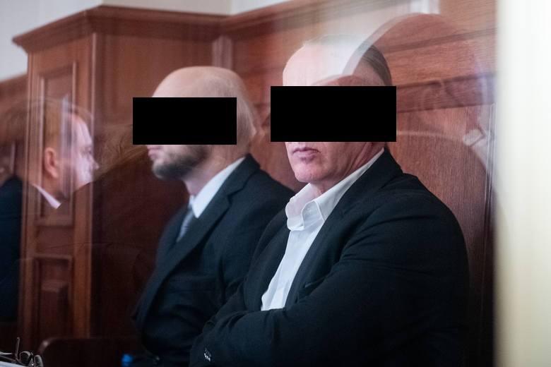 """""""Western"""" groził, że wywiozą moją żonę do burdelu i dziecko do Niemiec, jeśli następnego dnia w sądzie nie zrobię tego, co miałem zrobić - zeznawał w poniedziałek w sądzie """"Ramzes"""" w procesie Marka F. """"Westerna""""."""
