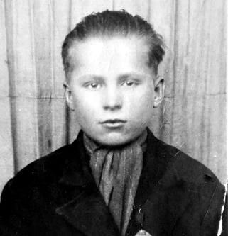 Nastoletni Józef Bednarz. Zdjęcie wykonane w Niemczech<br /> <br /> <br />