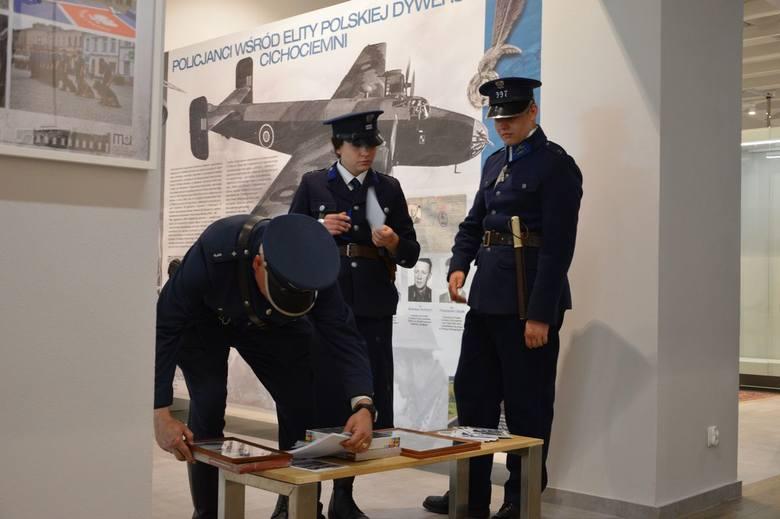 Policja świętuje jubileusz. 100-lecie formacji na wystawie w skierniewickim muzeum [ZDJĘCIA]