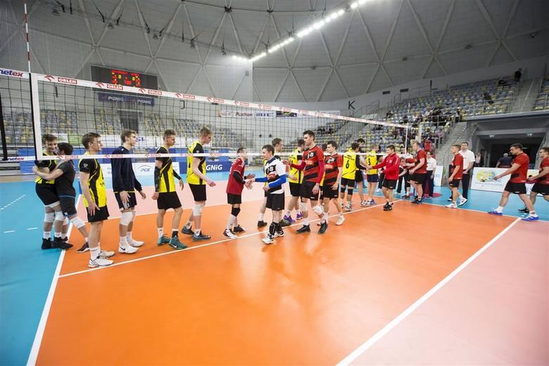 U panów także tylko jeden pojedynek, albowiem mecz na szczycie Start Namysłów - SPS Walce przełożono na 15 lutego. Ostatecznie ostatni w stawce Azymek