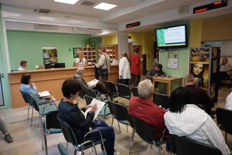 Łącznie w całej Wielkopolsce wnioski o emeryturę złożyły 2 453 osoby