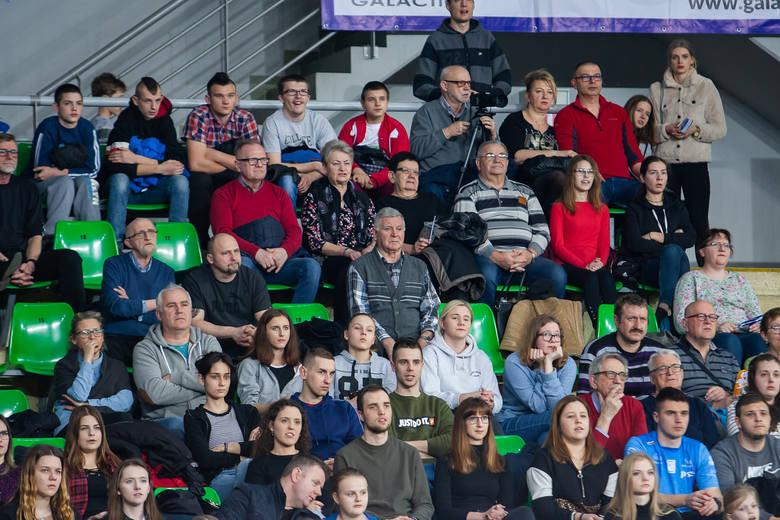 W 24. kolejce Plus Ligi Chemik Bydgoszcz przegrał z Asseco Resovią Rzeszów 1:3 (20:25, 25:22, 16:25, 15:25). Przez prawie trzy sety kibice zgromadzeni