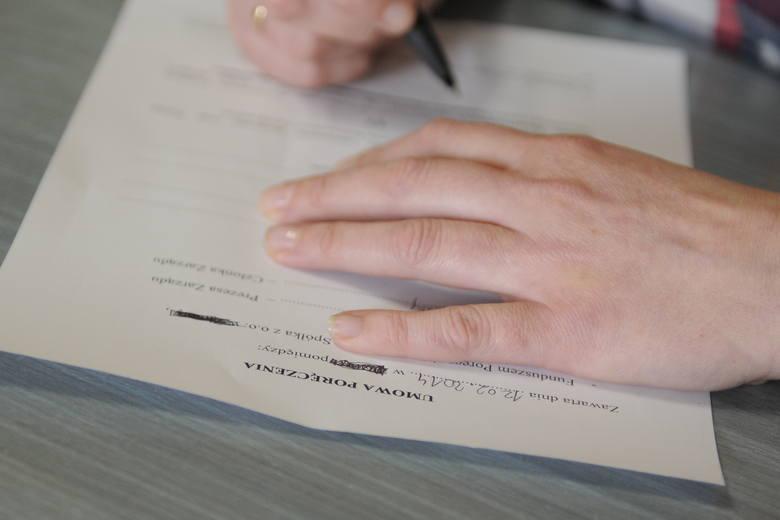 Ubezpieczenie kredytu – zbędny koszt czy realna korzyść?Ubezpieczenie kredytu jest dla banku jedną z form zabezpieczenia spłaty kredytu, ale stanowi
