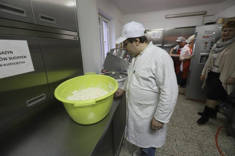 Stowarzyszenie Ku Dobrej Nadziei: Bezdomni potrzebują jedzenia, brakuje nawet ziemniaków... [WIDEO, ZDJĘCIA]
