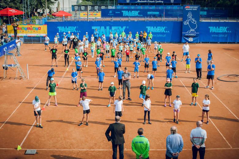 Młodzi tenisiści GKT Nafty Zielone Góra osiągnęli duży sukces na kortach AZS-u Poznań. W półfinałowym turnieju Talentiady zajęli trzecie miejsce i awansowali