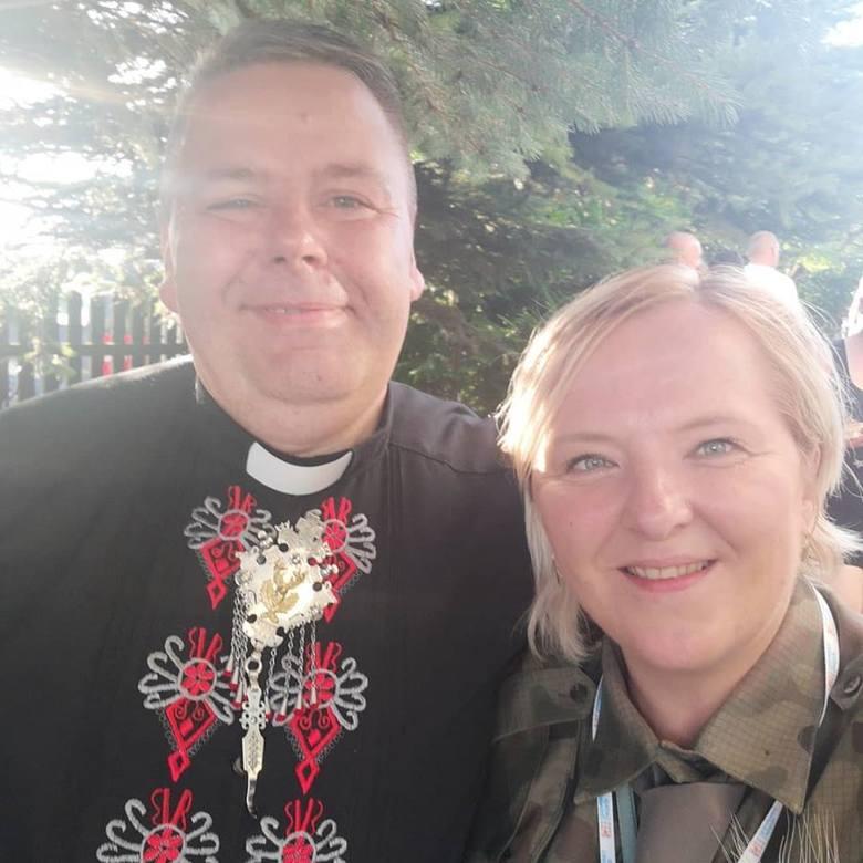 """Ma szczęśliwą rodzinę... i jest księdzem. Ks. Tadeusz Budacz: """"Kapłan musi być ludzki i miłosierny"""""""