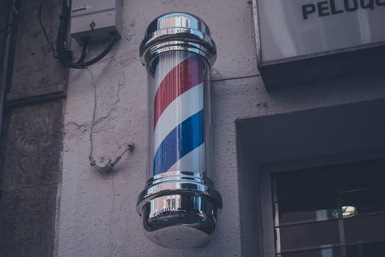 Przejdźcie do kolejnych slajdów, by zobaczyć, których fryzjerów polecają Czytelnicy Dziennika Łódzkiego... ----->