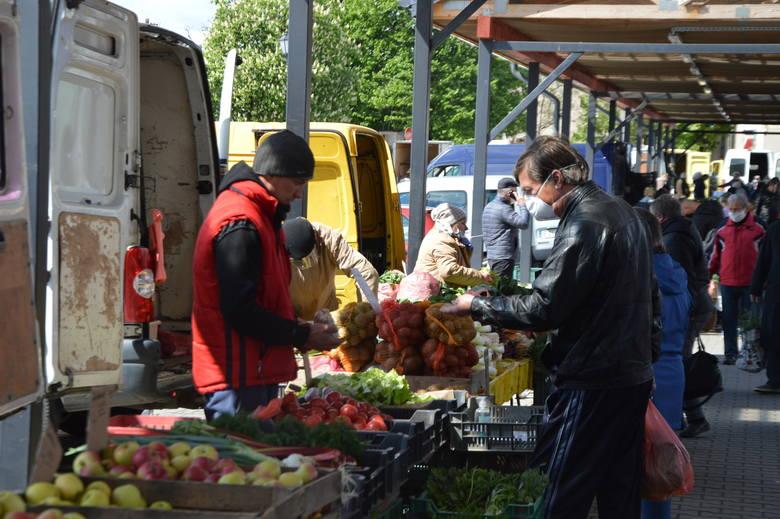 Targowisko miejskie w Zgierzu rozszerza zakres handlu o artykuły przemysłowe [Zdjęcia]