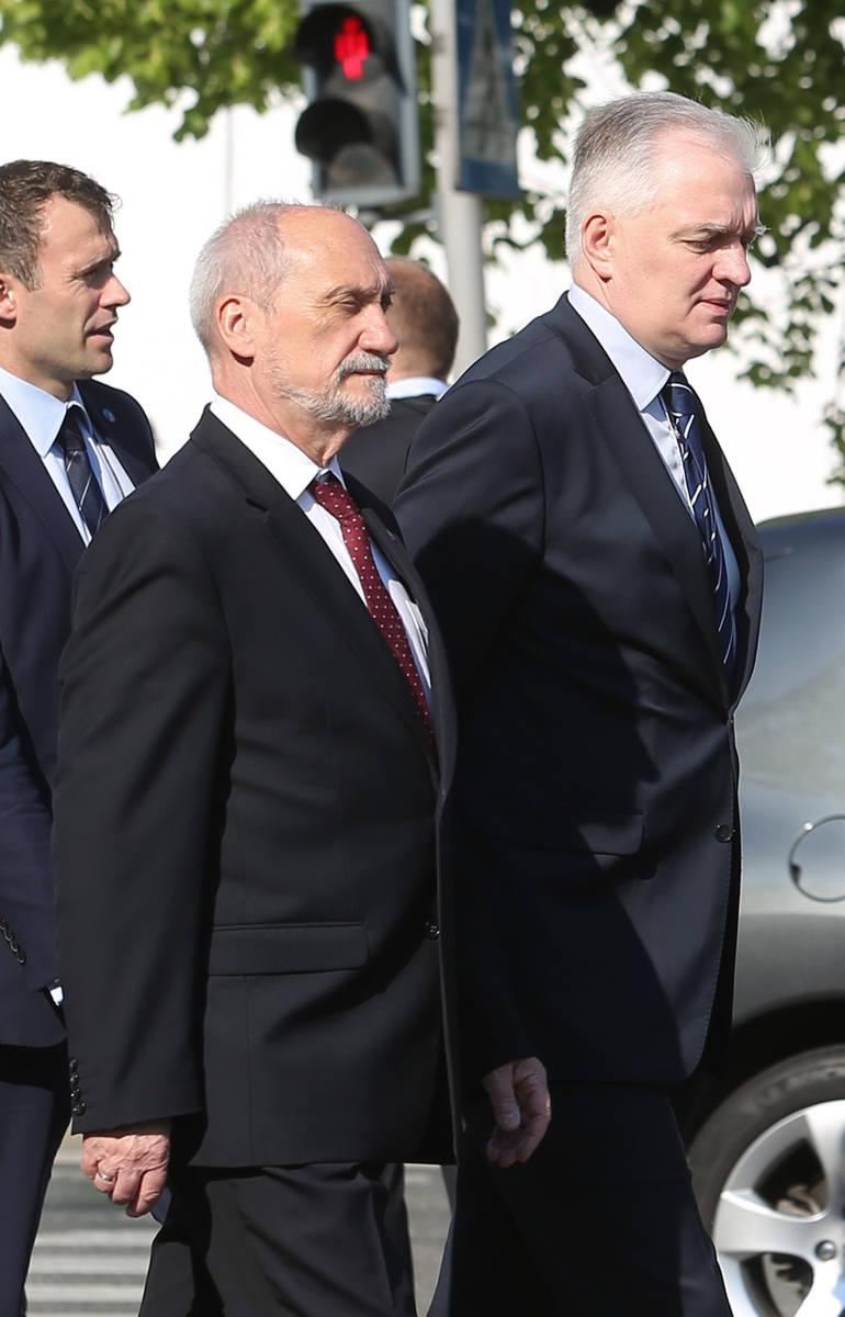 Macierewicz wkracza na Uniwersytet Medyczny