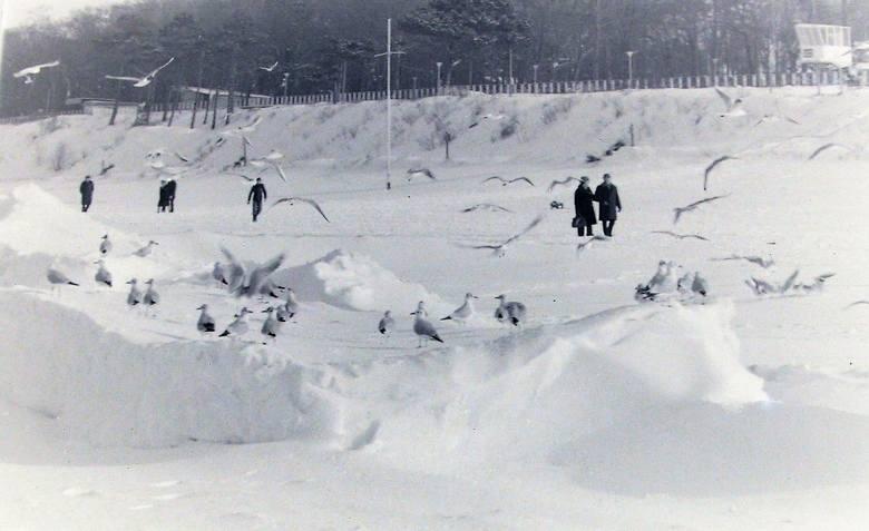 Ustecka plaża i promenada w zimowej szacie – styczeń 1979.