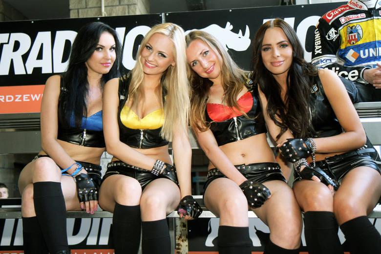 W nowym sezonie zmieniła się grupa podprowadzających na toruńskiej Motoarenie. Na przestrzeni lat w roli hostess wskazujących żużlowcom pola startowe