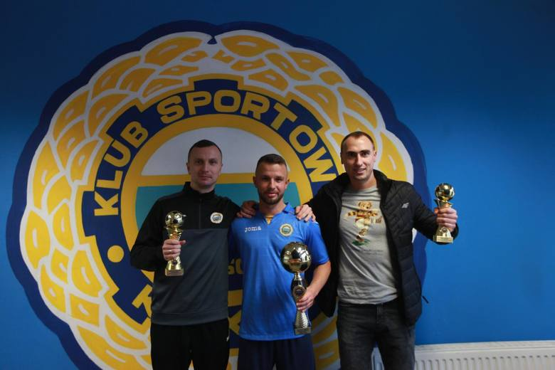 Najlepsi, od lewej: Krzysztof Świątek (2. miejsce), Mateusz Gamrot (zwycięzca plebiscytu) i Kamil Sobala (3.)