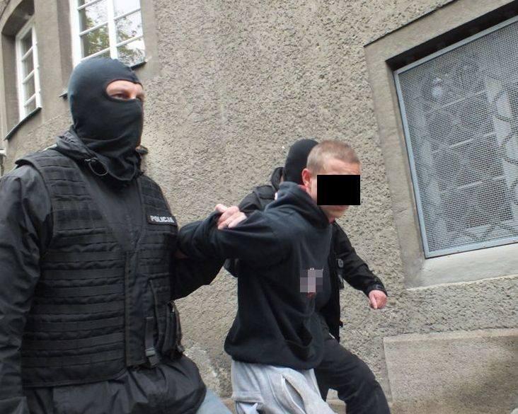 17-latek podejrzany o śmierć Wiktorii z Krapkowic. Ciało dziewczyny zostało odnalezione 18 marca po jedenastu dniach poszukiwań.