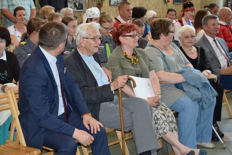 Tytuły zostały oficjalnie przyznane podczas niedzielnej uroczystej sesji rady gminy.