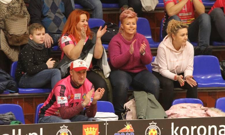 Byłeś na zwycięskim meczu Korony Handball? Znajdź się na zdjęciach