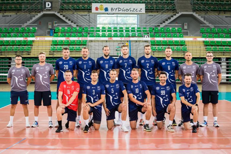 Siatkarze BKS Visła Bydgoszcz przygotowują się do nowego sezonu w Tauron I lidze. Po spadku z Plus Ligi zespół mocno się zmienił. Na kolejnych stronach